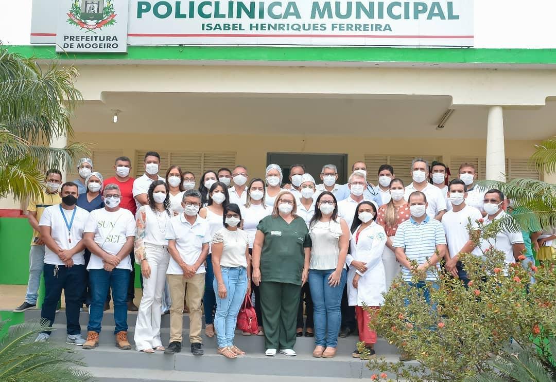 Vacinação contra a Covid-19 é iniciada em Mogeiro