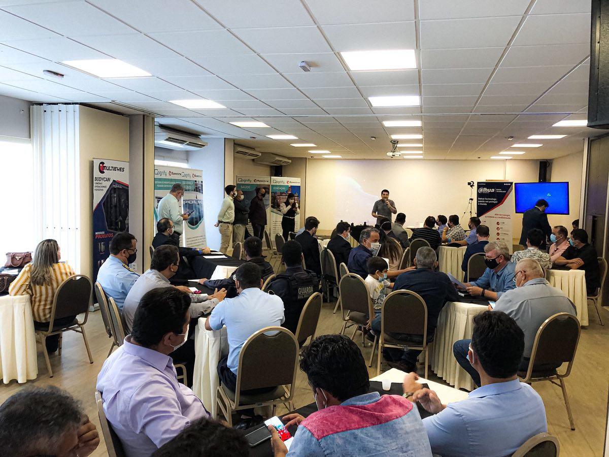 Município participa de reunião de formalização das assinaturas para participação no UNISEG